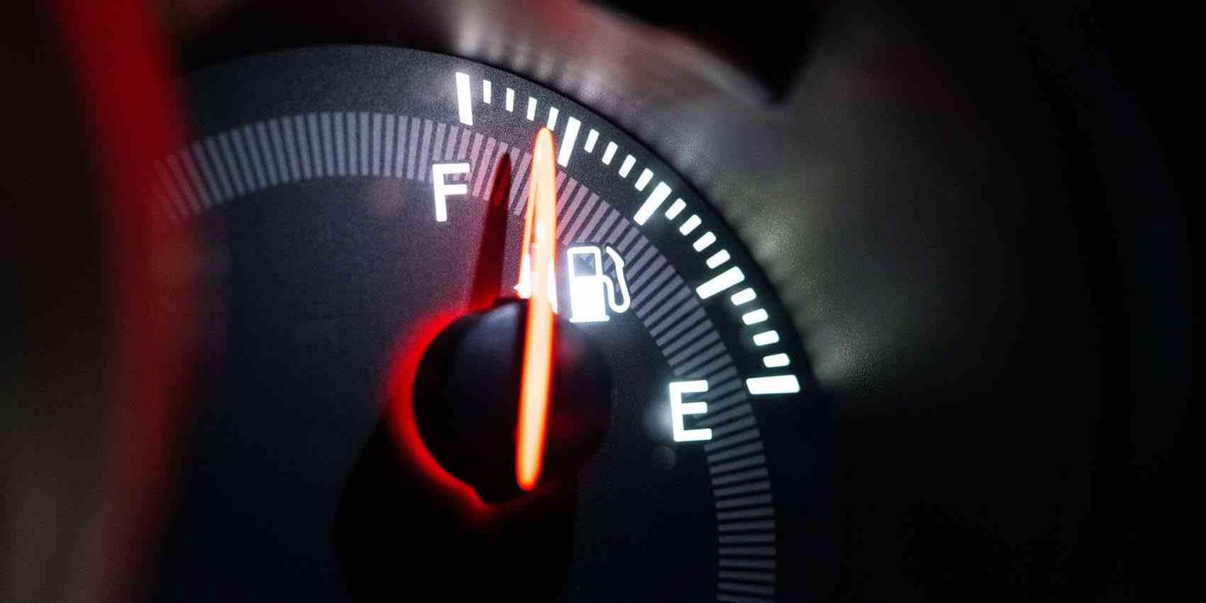 車の燃費を良くするコツとは!?上手な運転の仕方と影響を与える原因